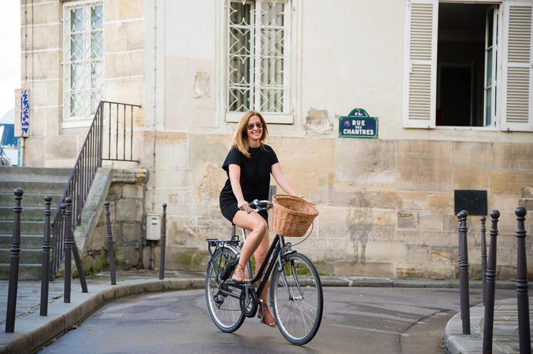 Fernanda Hinke - Guia de Passeios em Paris